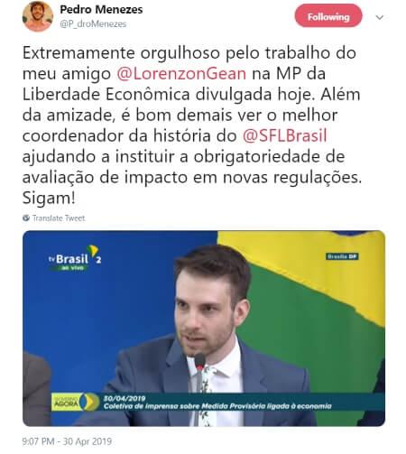 Pedro Menezes elogiando Geanluca Lorenzon almnus do sflb